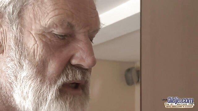 Phat गधा गर्म पोर्न फुल एचडी में सेक्सी फिल्म स्टार पाउंड उसे सिगरेट के जाने के बिना