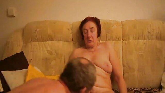पोर्न मॉडल सेक्स पिक्चर फुल मूवी खुद उस लड़के की पैंट में घुस गई जो आया था
