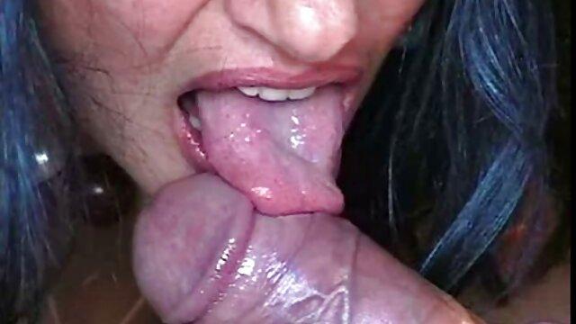 परिपक्व महिलाओं के साथ एमेच्योर सेक्सी मूवी पिक्चर पार्टी नग्न और योनी दिखा रही है