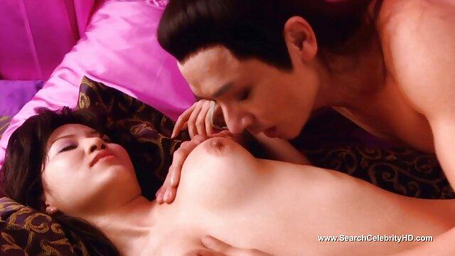 नशे में रेड इंडियन लड़की अनिच्छा से सोफे पर बीपी सेक्सी मूवी पिक्चर एक परिपक्व आदमी के साथ चुदाई करती है