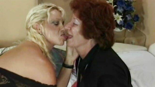 Saggy स्तन सेक्स